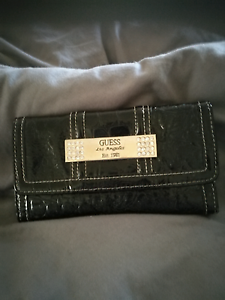 Guess Los Angeles Est. 1981 Ladies Wallet/Purse Rossmoyne Canning Area Preview