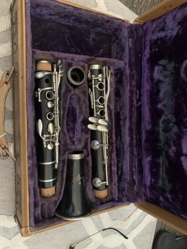 A Robert  Paris  Vintage Clarinet