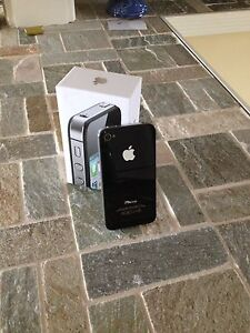 iPhone 4s 16 gig Rogers
