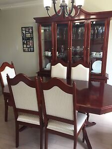 Beautiful Hutch and Dinning table set, Only 1,500