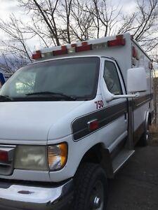 Ford E-350 diesel Utility Ambulance