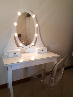 Vanity Dressing Table With Mirror And Lights. White vanity dressing table with mirror and lights  light up Furniture Gumtree Australia