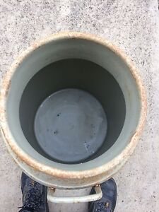 Vintage milk tin Longlea Bendigo Surrounds Preview
