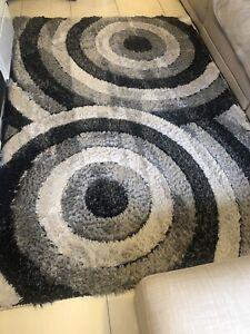 Shag pile floor rug 160cm x 230cm