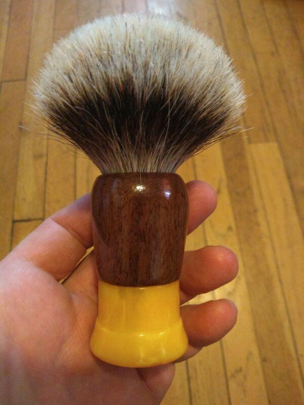 Custom Vintage Shaving Brush With New 26mm Manchurian Badger Knot