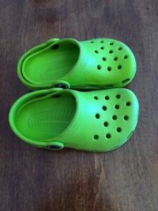 Toddler crocs great condition 6/7