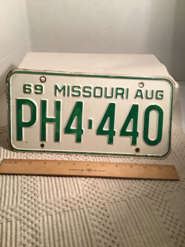Missouri MO License Plate Aug 1969 PH4 440