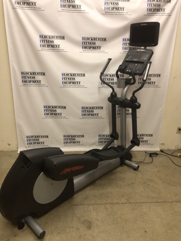 Life Fitness CLSX Elliptical Crosstrainer - SHIPPING NOT INCLUDED