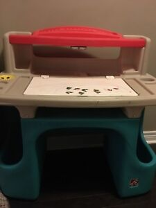 Step 2 kids activity table with stool