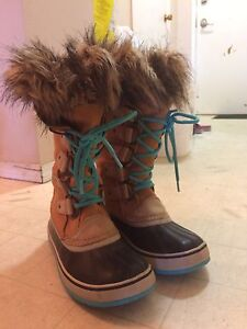 Sorel Winter  boots for women size 8 and 6