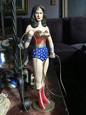 "Wonder Woman /""Lynda Carter/"" Color Movie Poster Tabletop Display Standee 10/"" Tall"