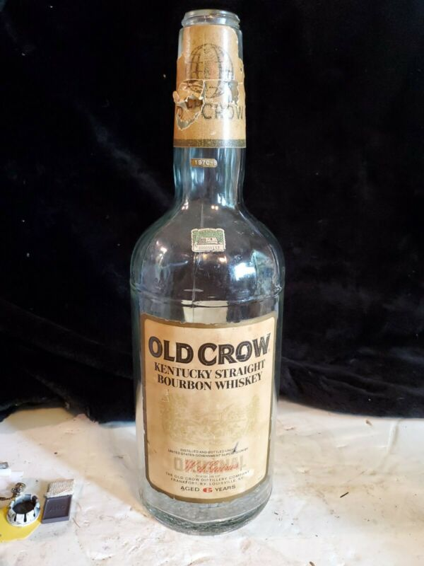 VTG OLD CROW ONE GALLON BOTTLE: KENTUCKY STRAIGHT BOURBON WHISKEY