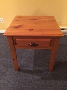 Table à café en bois valeur 250$ nouveau prix