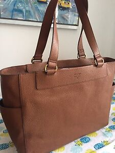 Brown leather Fossil tote/handbag