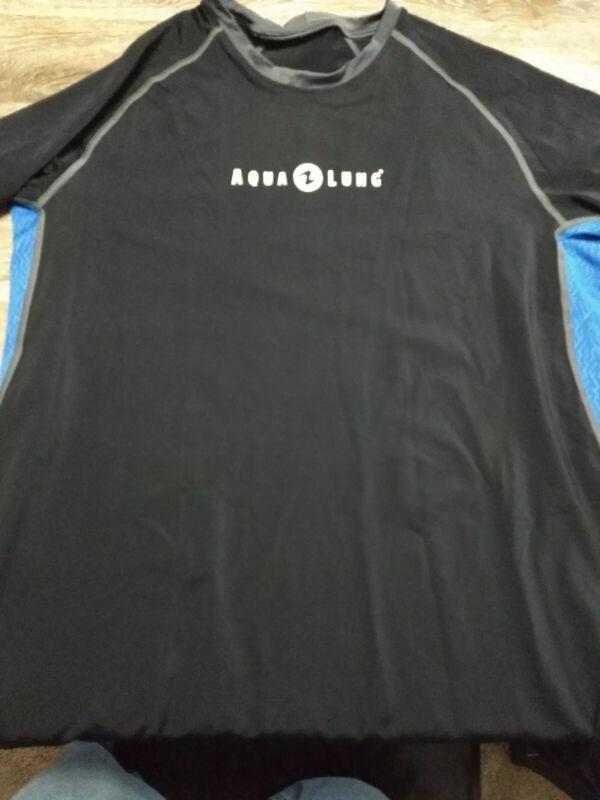 Aqua Lung loose Rash Guard, Mens- short Sleeve XXL black and blue