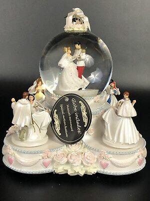 Disney Princesses Wedding Cake Animated Musical Snow/Water -