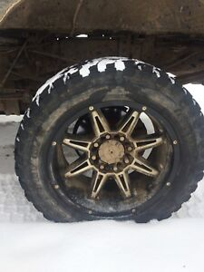2006 Ford F-350 superduty rims and tires