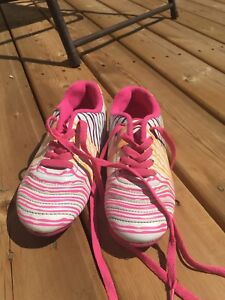 Girls cleats size 13