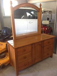 DRESSING TABLE very solid quality piece Jimboomba Logan Area Preview