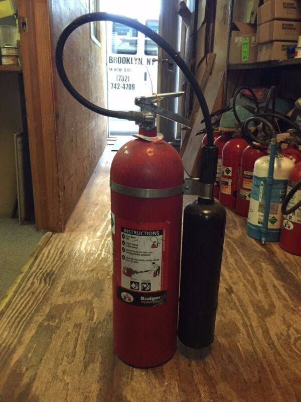 Fire Extinguisher, 15 lb CO2