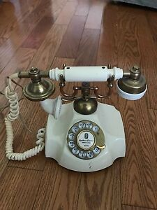 Vintage Princess Telephone