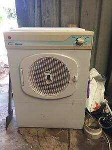 Good condition dryer Meadow Springs Mandurah Area Preview