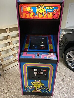 All Original Vintage 1982 Ms. PacMan Arcade Machine Excellent Condition !