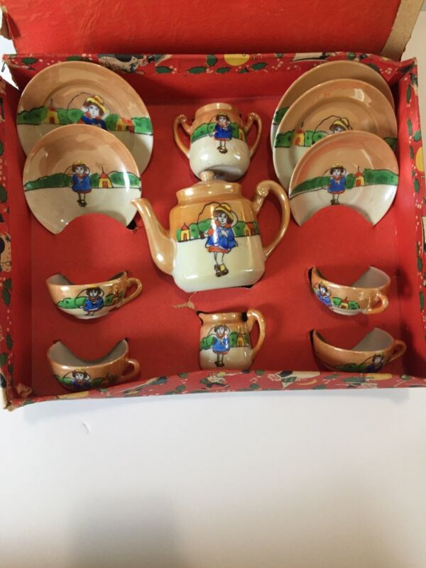 LUSTER WARE GOLDEN SERIES JAPAN FOREIGN Childs Tea Set With Original Box