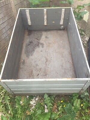 box trailer With Lid,  Approximately 5ft x 3ft