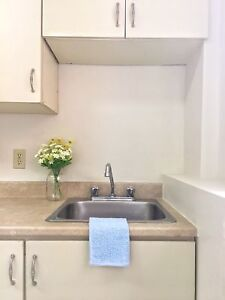 STUDENTS! One Bedroom Rentals Available Now!