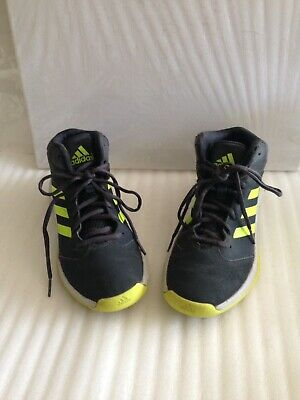 Adidas Boys Black Mid Top Basketball Shoes Sneakers Size 5