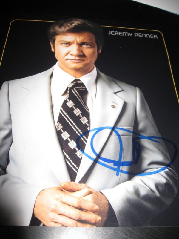 JEREMY RENNER SIGNED AUTOGRAPH 8x10 PHOTO AMERICAN HUSTLE PROMO IN PERSON COA D