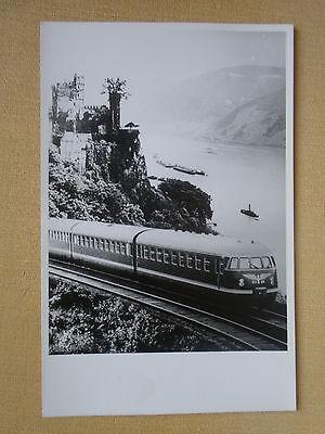 405 Foto DB Triebwagen VT08 am Rhein