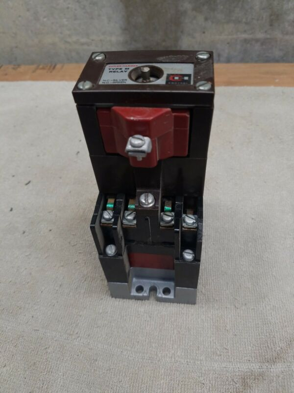 Cutler Hammer Relay D23MR402 Type M Latched Relay