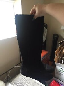 Tall black suede size 8 boots