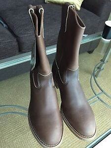 Redwing size 10D 388 cowboy style steel toe workboots brand new