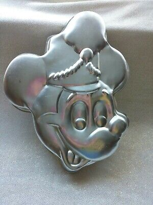 Mickey Mouse Cake Pans (Wilton #515-302 Mickey Mouse Band Leader  Walt Disney  Productions Cake Pan)