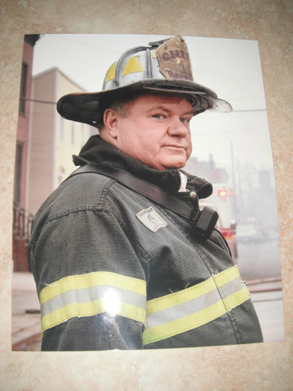Jack McGee Rescue Me Firefighter Color 8x10 Promo Photo Picture