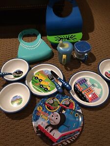Kids dishes and bibs