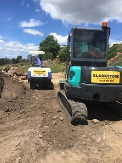 Excavator and Tipper Truck hire
