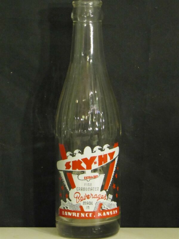 Sky-Hy Beverages (Red Plane) ACL Soda Bottle  7oz.  1942  Lawrence, Kansas