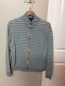 Banana Republic slightly used shirts size Large Edmonton Edmonton Area image 2