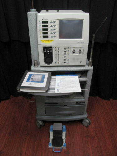 Alcon Accurus 800cs Phacoemulsifier Opthalmic Surgical System with Foot Pedal.