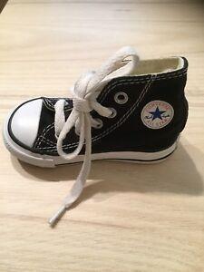 Converse enfant noir grandeur 4 soulier chaussure