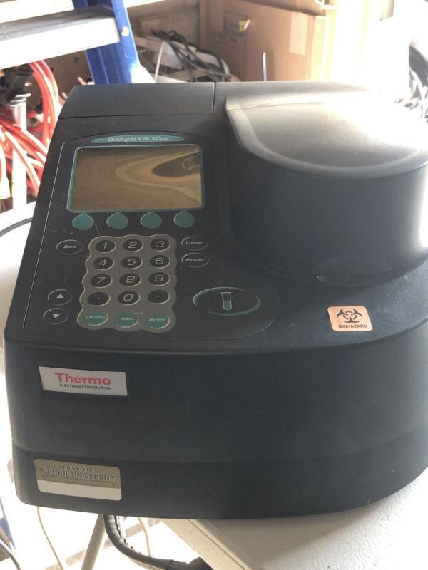 Thermo Genesys 10 UV Scanning spectrophotometer (IH387)