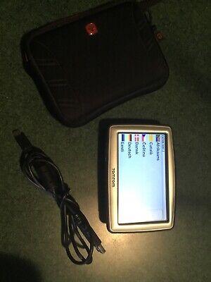 TomTom XL Widescreen 4EG0.001.12 N14644 GPS Navigation Bundle w/ Charger + Case