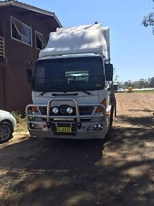 Hino Tow Truck Kemps Creek Penrith Area Preview