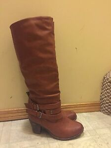 Size 8 Leather high heeled boots