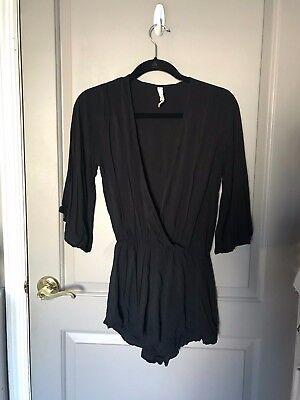 Elan Swimwear Women's V-Neck Black 3/4 Sleeve Romper Size Small (Elan Swimwear)