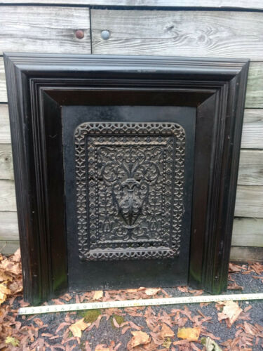 ANTIQUE VICTORIAN ORNAMENTAL CAST IRON FIREPLACE SCREEN SUMMER COVER MANTEL